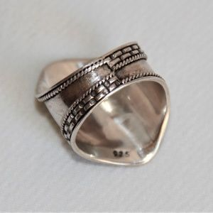 VINTAGE Jewelry - Stylish Vintage Sterling Silver Spoon Ring